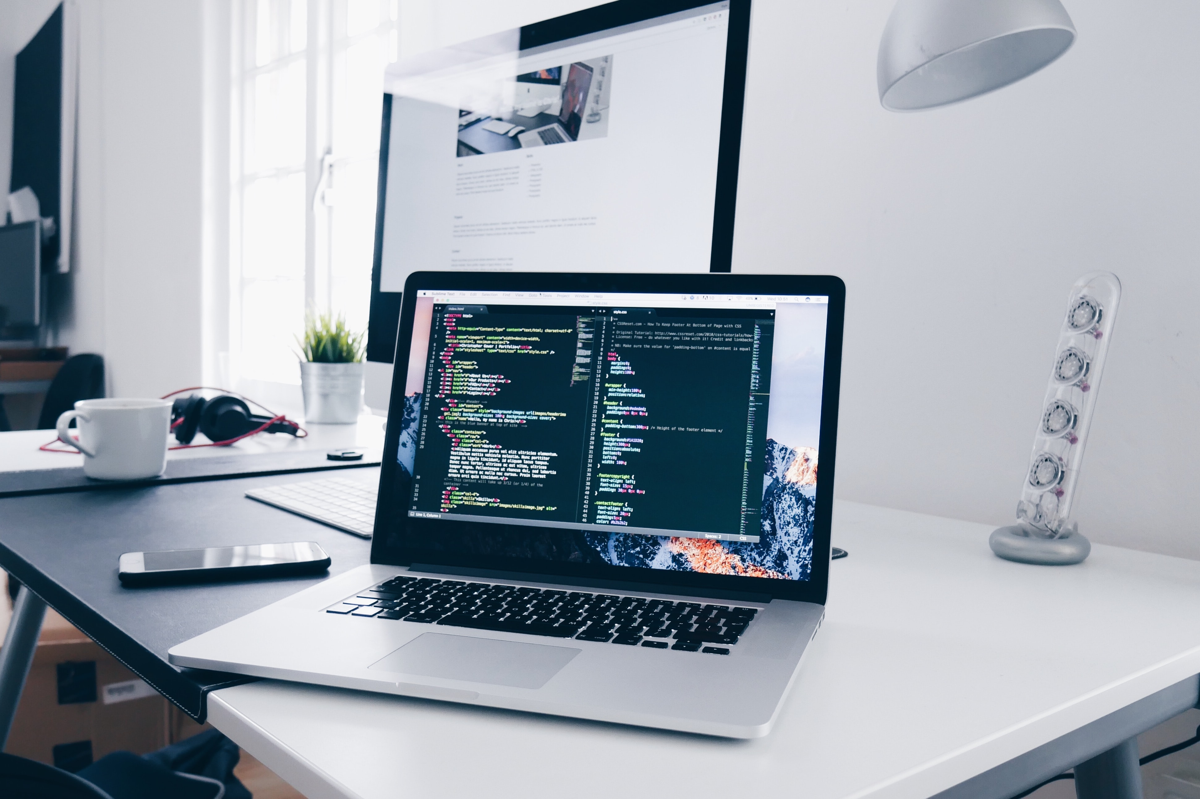 How to customize your Docsie portal by injecting your embedded Docsie code into Visual Studio Code.